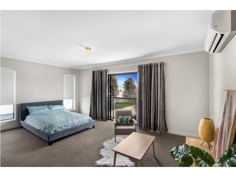 143 The Esplanade, Caroline Springs VIC 3023