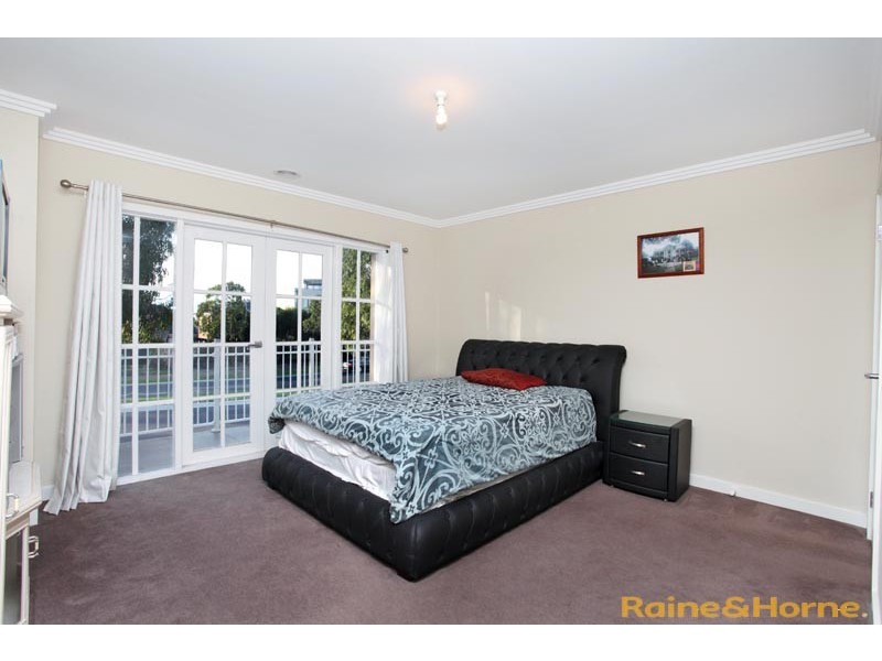9/7 Toolondo Close, Caroline Springs VIC 3023