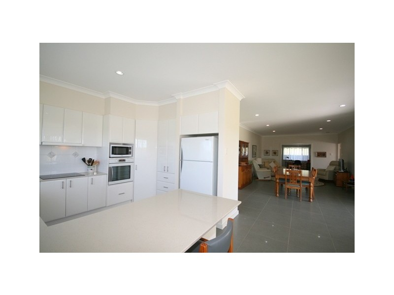 2 Jocks Place, Wauchope NSW 2446