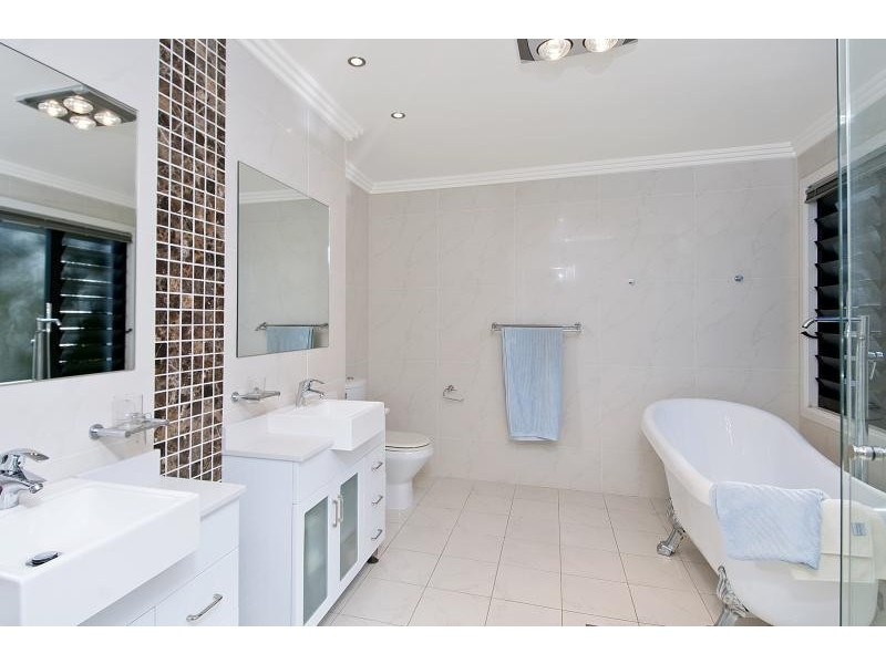 654 Lawrence Hargrave Dr, Coledale NSW 2515