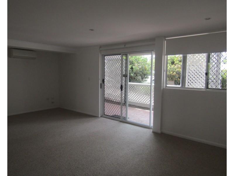 48b Elm Street, Cooroy QLD 4563