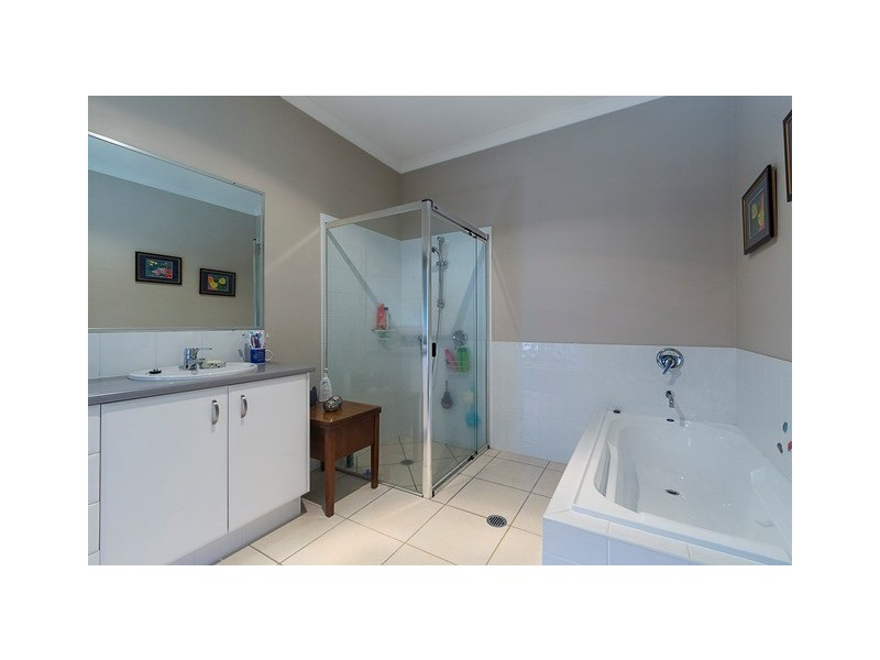 17 Rosewood Lane, Black Mountain QLD 4563
