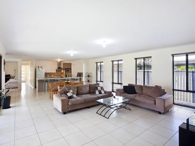 15 Oak Street, Cooroy QLD 4563