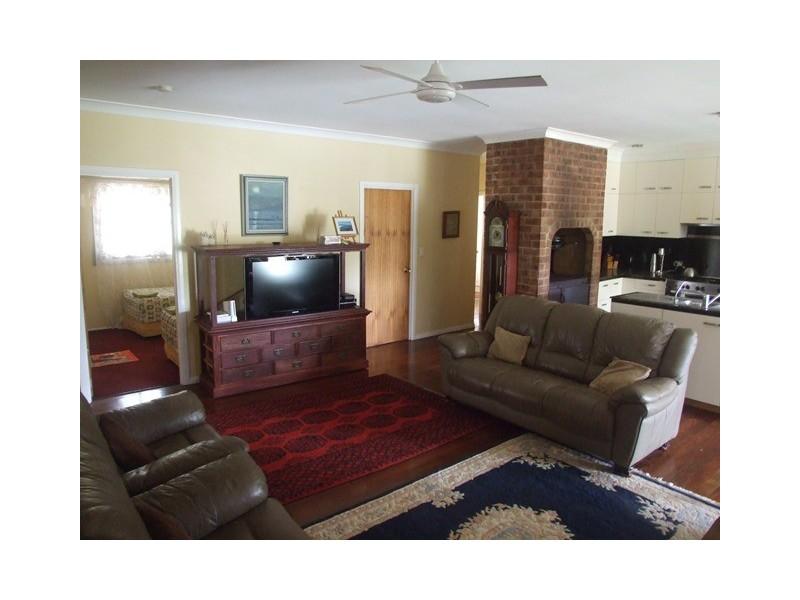 296 Lowe Road, Bollier QLD 4570