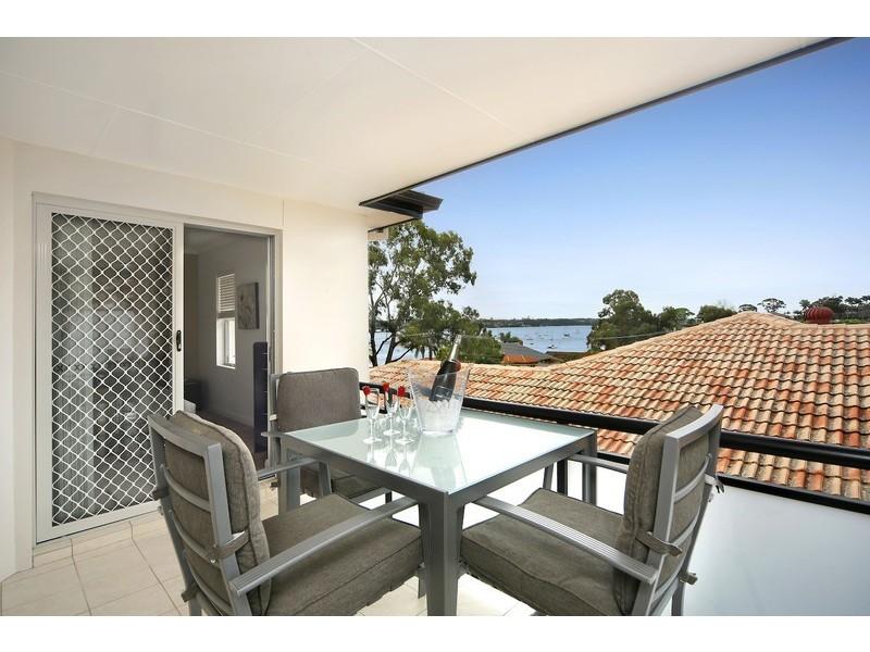 2/70 Holt Road, Taren Point NSW 2229
