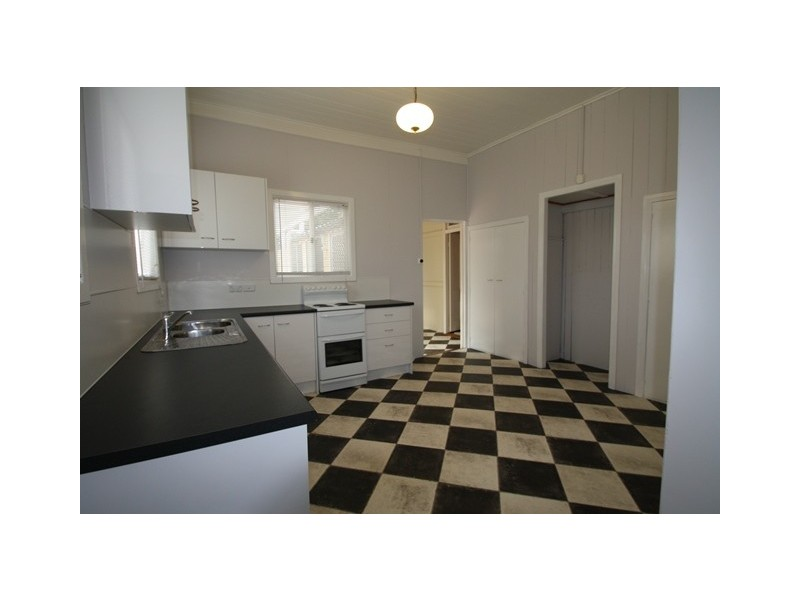 24 Raff Street, Allora QLD 4362
