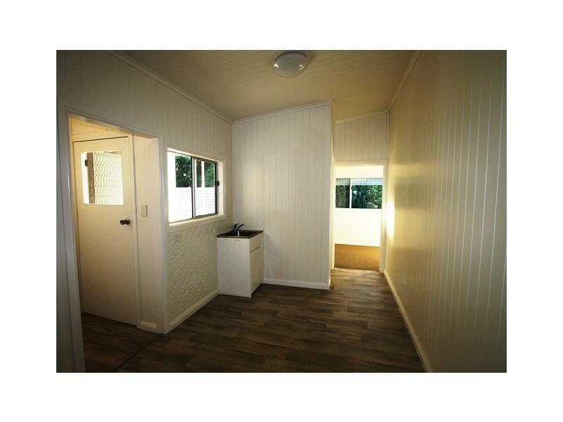 12 William Street, Allora QLD 4362