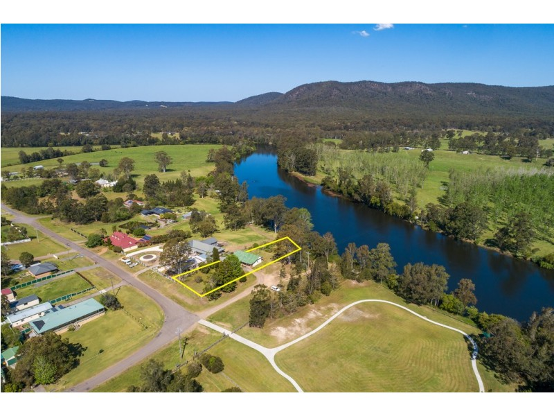 8 Grey Street, Clarence Town NSW 2321