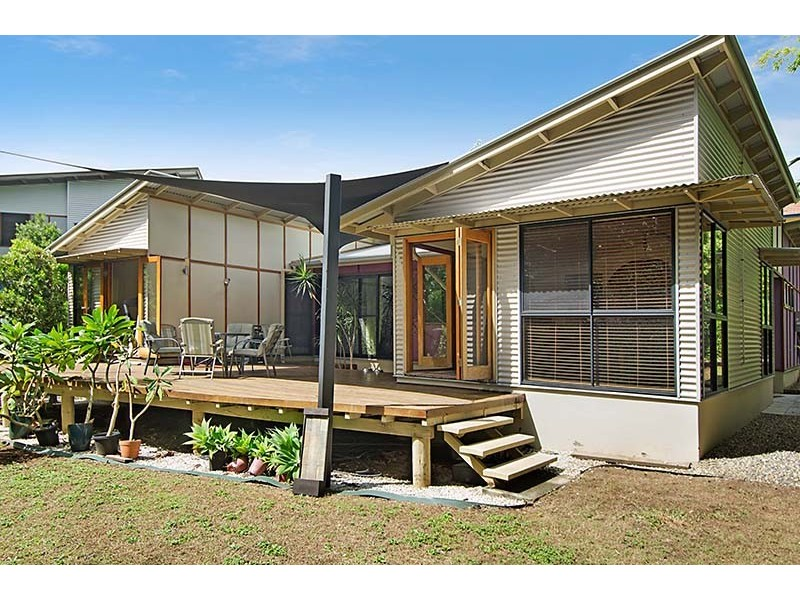 12 Hartfield Drive, Bardon QLD 4065