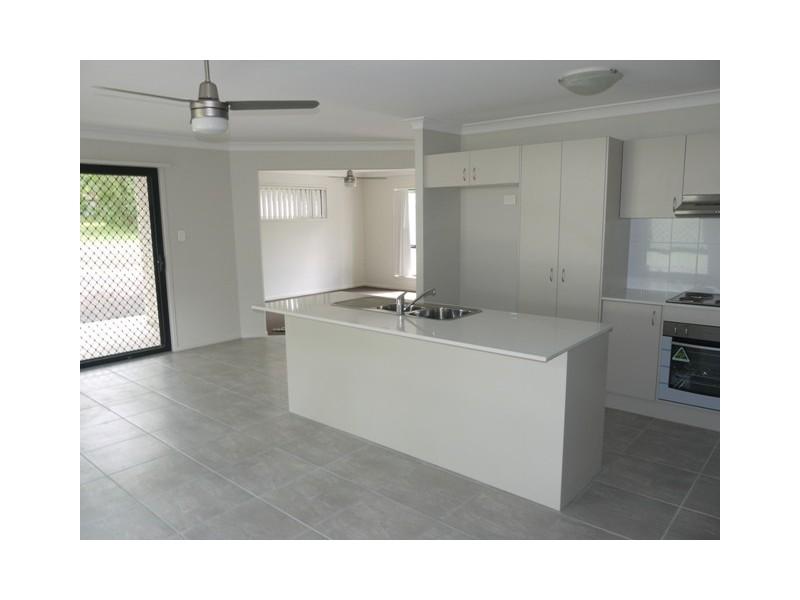 10A Redwood St, Marsden QLD 4132