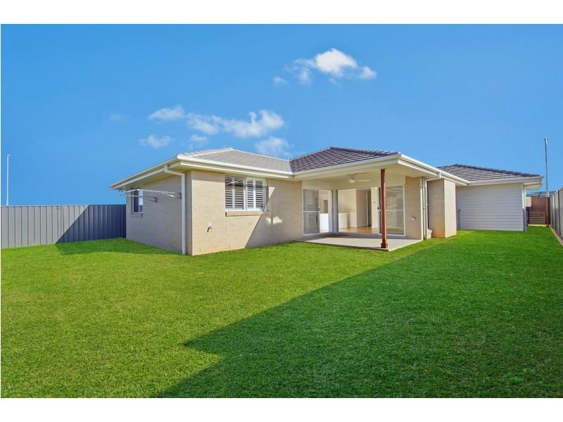 13 Seaside Drive, Lake Cathie NSW 2445