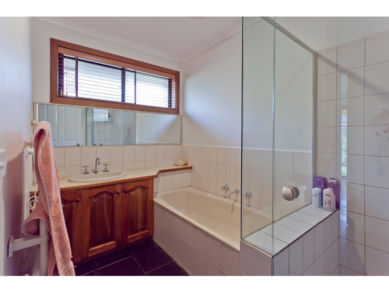 30 Taegtow Way, Altona Meadows VIC 3028