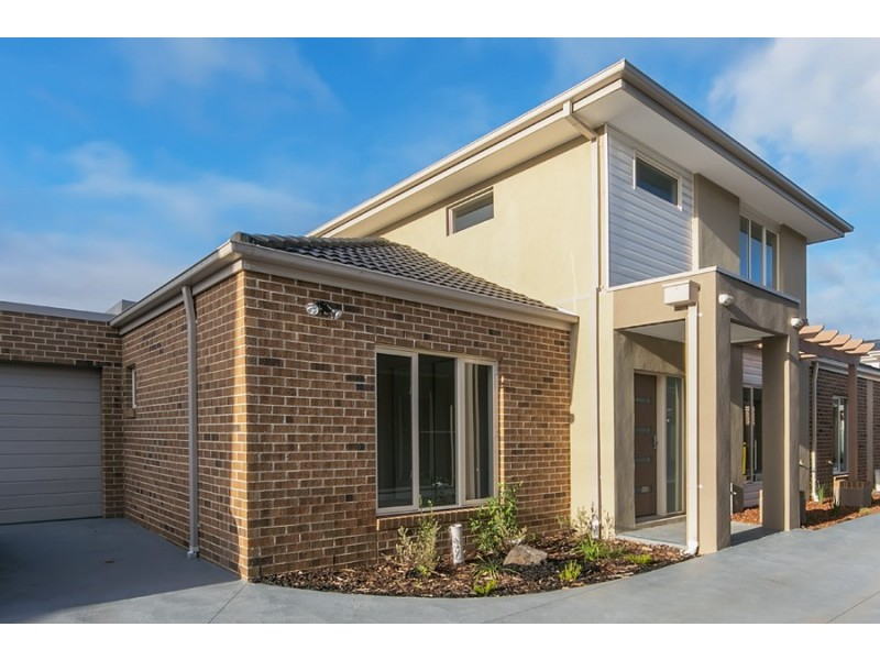 2/35-37 Fitzpatrick Drive, Altona Meadows VIC 3028