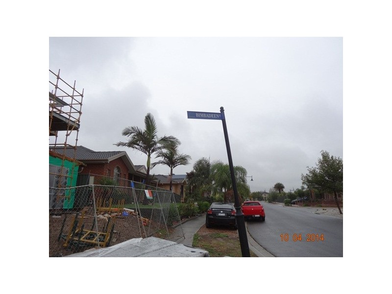 17 and 19 Bimbadeen Street, Burnside VIC 3023