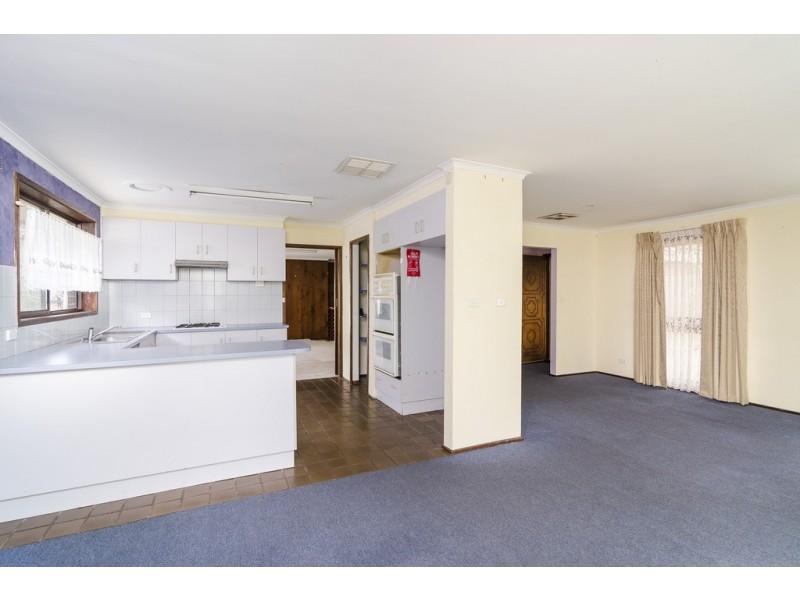 17 Grant Avenue, Werribee VIC 3030