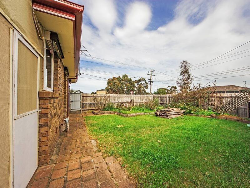 2 Glamorgan Ave, Werribee VIC 3030