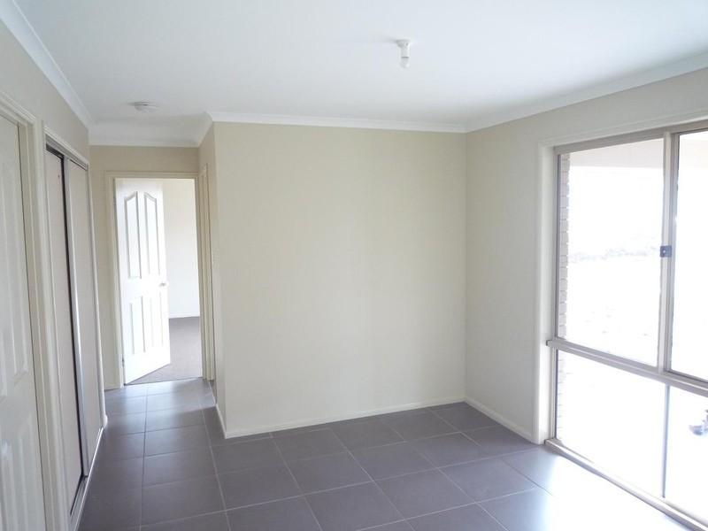 43 McKeachie Drive, Aberglasslyn NSW 2320