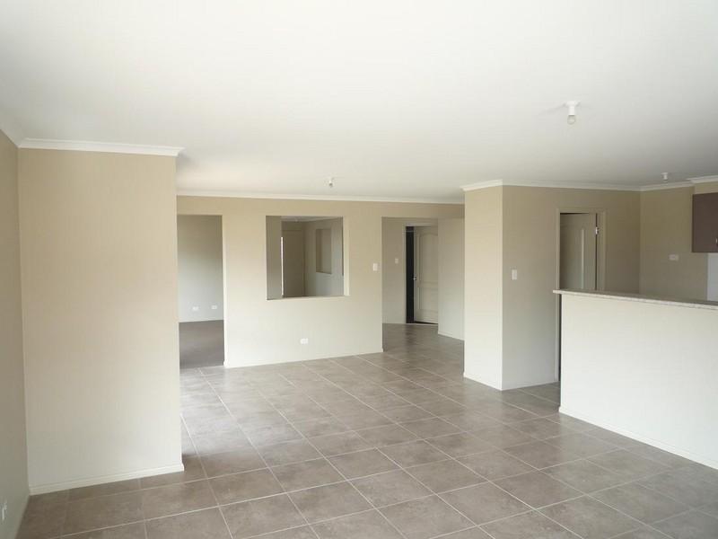 45 McKeachie Drive, Aberglasslyn NSW 2320