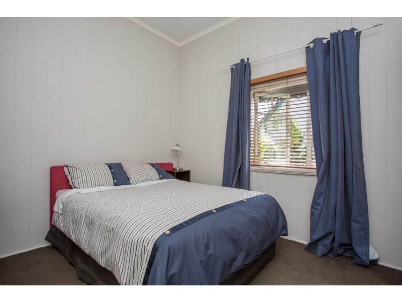 9 Duke Street, Annerley QLD 4103