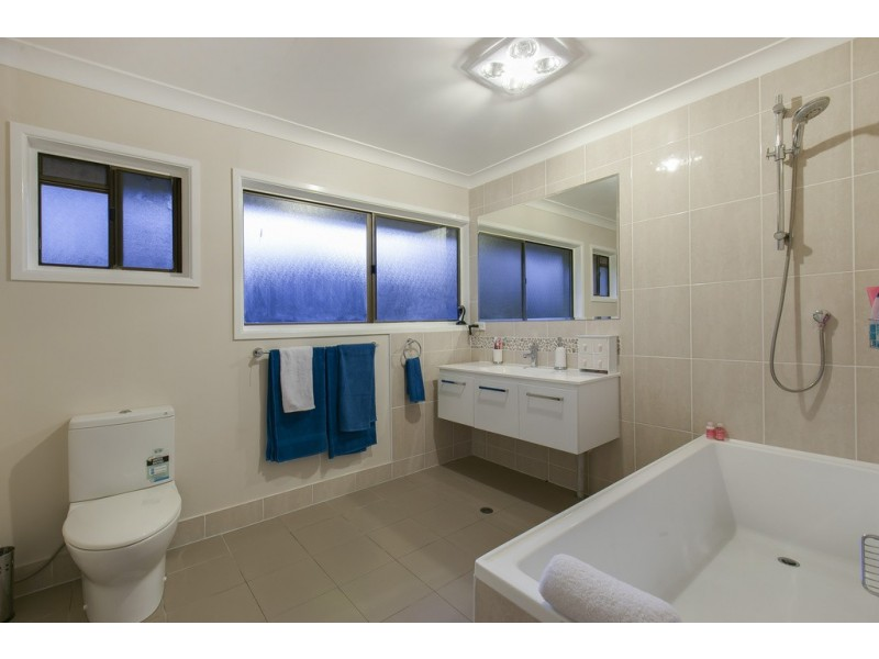12 Jacana Court, Bellbowrie QLD 4070