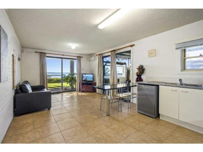 384-388 Beach Road, Batehaven NSW 2536