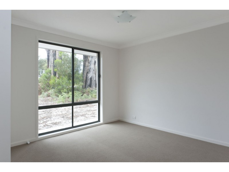 10 Martin Place, Broulee NSW 2537