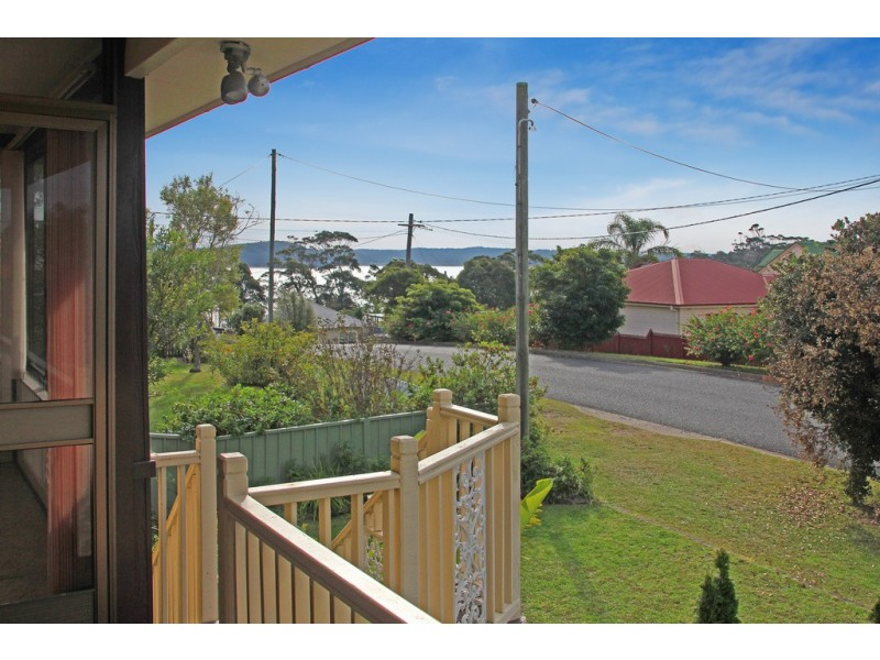 36 Lockyersleigh Avenue, Batehaven NSW 2536