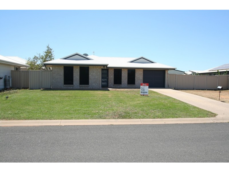 36 Lakeside Drive, Emerald QLD 4720
