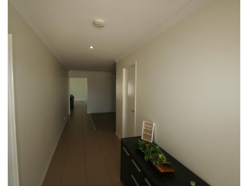 14 Whitney Street, Emerald QLD 4720