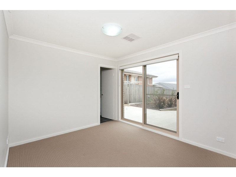 10 Wighton Terrace, Casey ACT 2913