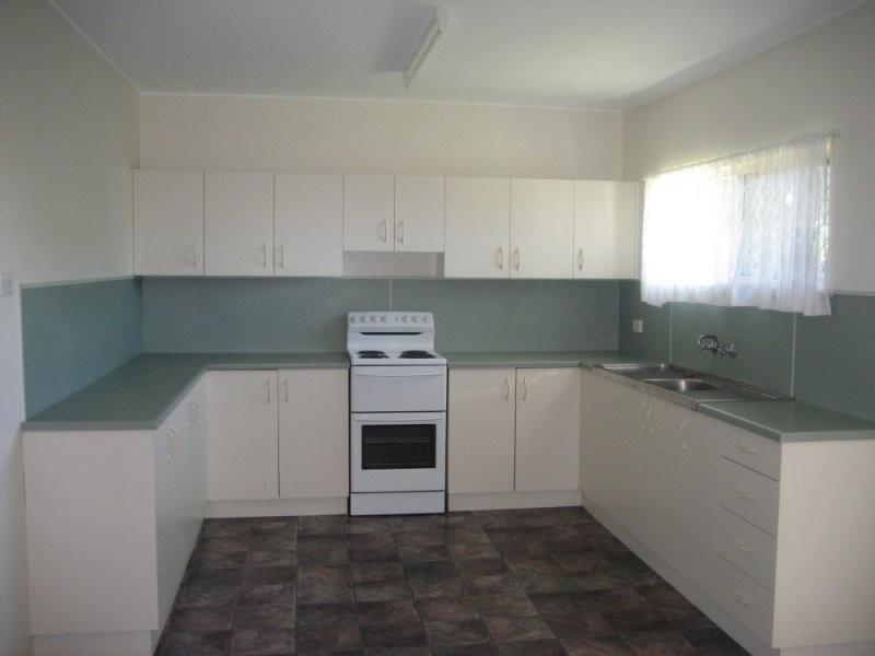 12 Leahy Street, Beaconsfield QLD 4740