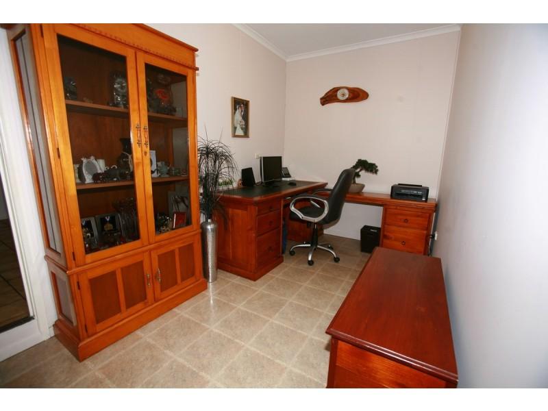 16 Barton Street, West Mackay QLD 4740