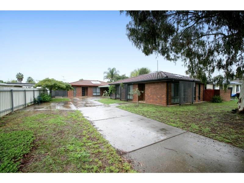 1/3 Nicholi Crescent, Lake Albert NSW 2650