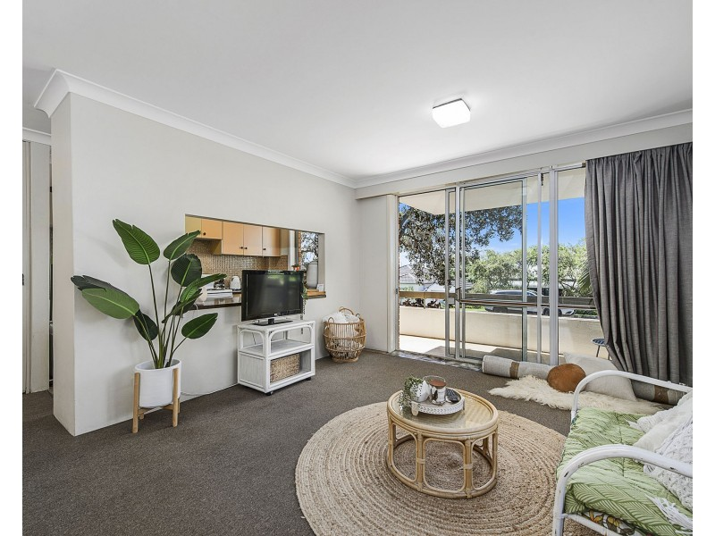 2/14 Arncliffe Avenue, Port Macquarie NSW 2444