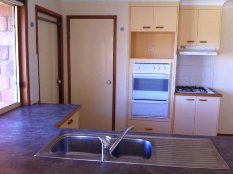 12 Lynagh Court, Arana Hills QLD 4054