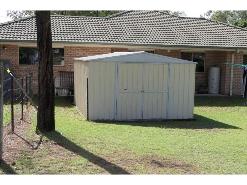 1 Riveroak Court, Lowood QLD 4311