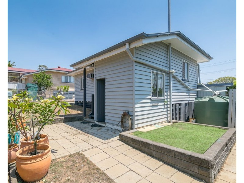 5 Kruger Street, Booval QLD 4304