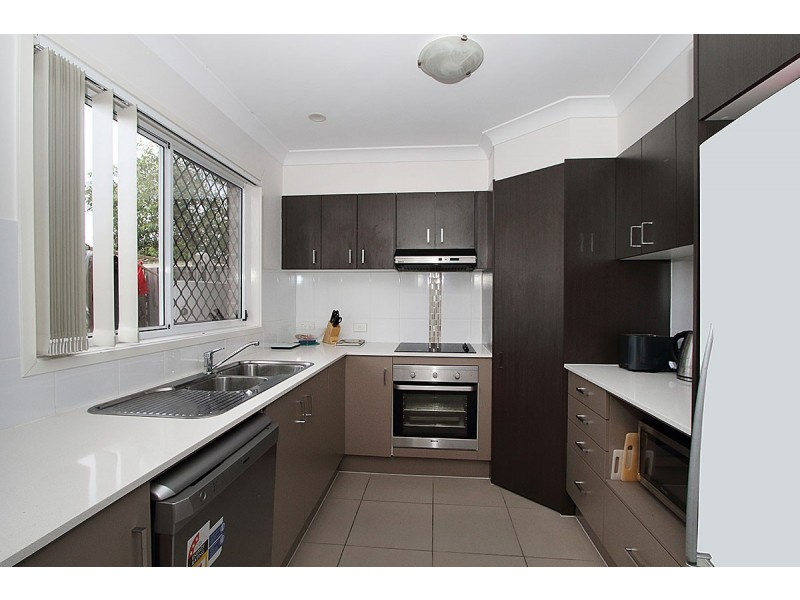 3/39 River Road, Bundamba QLD 4304