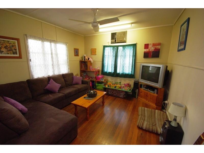 13 Bega Street, Burnside QLD 4560