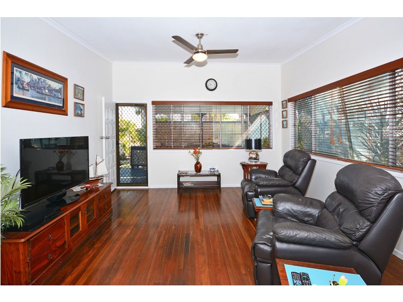 3 Howard St, Burrum Heads QLD 4659