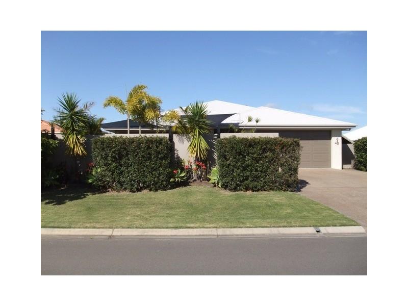 40 Lucas Drive, Burrum Heads QLD 4659