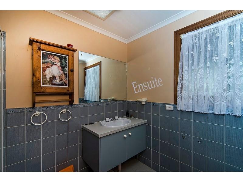24 Karinga Avenue, Craigmore SA 5114