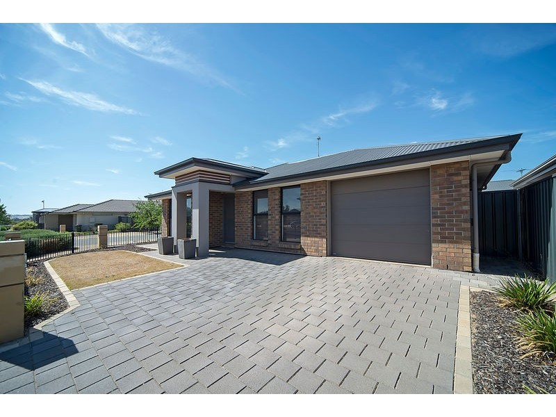 22 West Parkway, Andrews Farm SA 5114