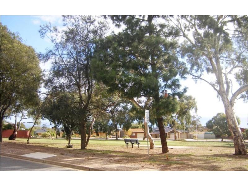 22 Manoora Drive, Hallett Cove SA 5158