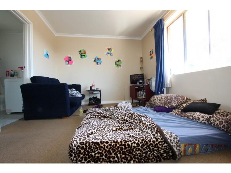 31/25 Macquoid Street, Queanbeyan NSW 2620