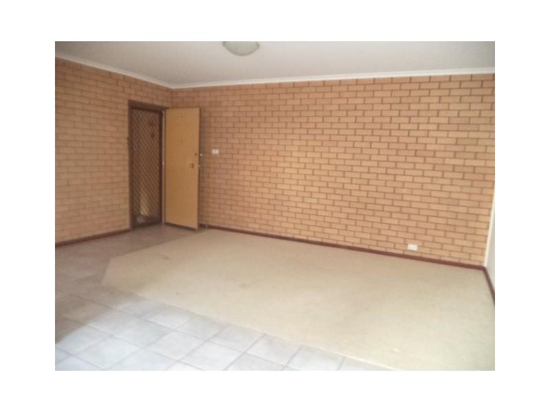 4/17 Mowatt Street, Queanbeyan NSW 2620