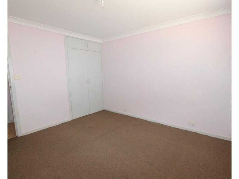 1/5 Hincksman Street, Queanbeyan NSW 2620