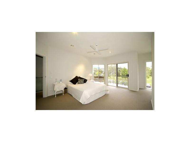 1/14 Crombie, Bundall QLD 4217