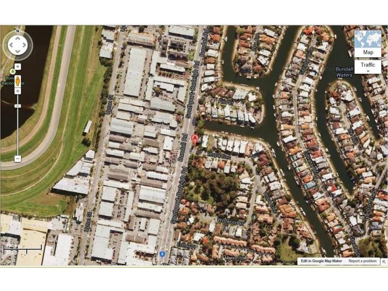 1 / 3 Vespa Crescent, Bundall QLD 4217
