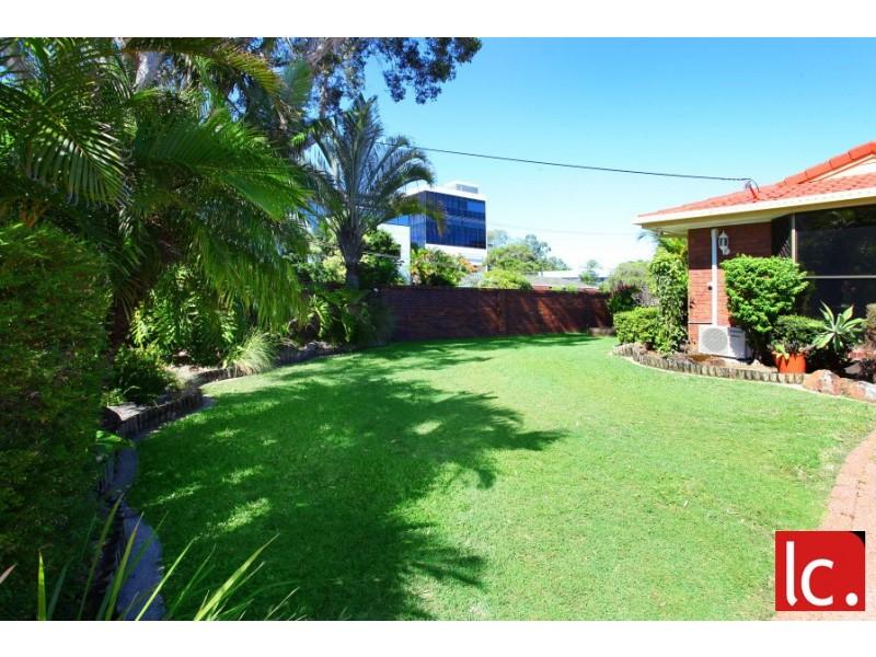 9 Mercedes Place, Bundall QLD 4217